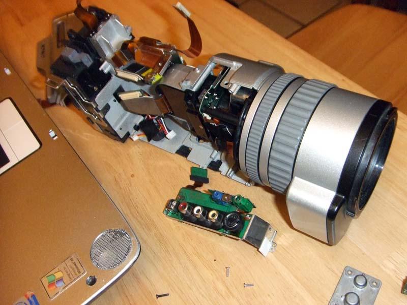 Sony 2100 3CCD camera